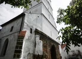 biserica-fortificata-Harman-11