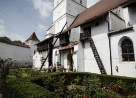 biserica-fortificata-Harman-14