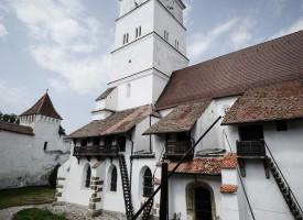biserica-fortificata-Harman-6